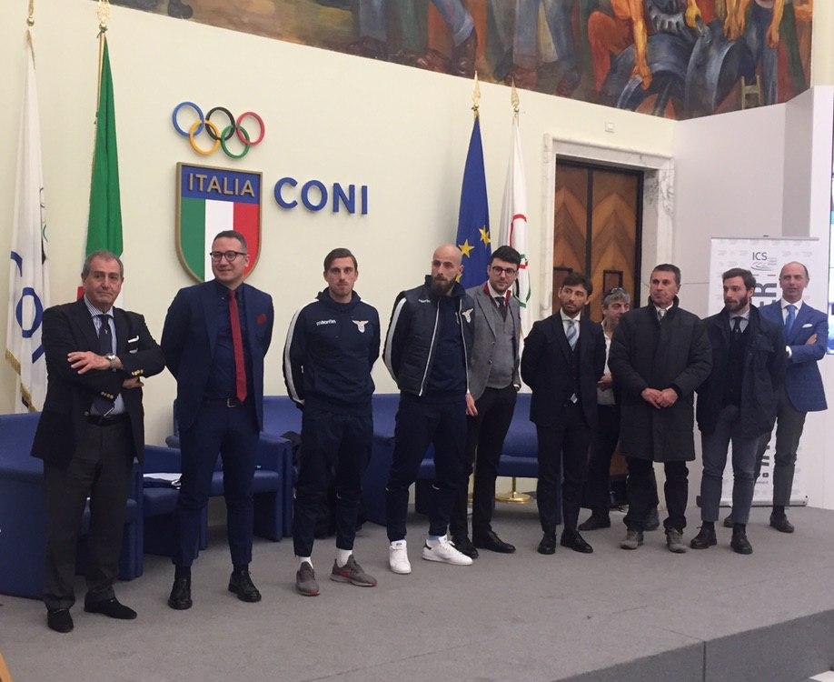 Presidente Andrea Maria Liguori (cinza ao centro)